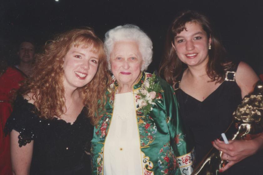 Maxine with Beta Eta Golden Lion winner Convention 1993180